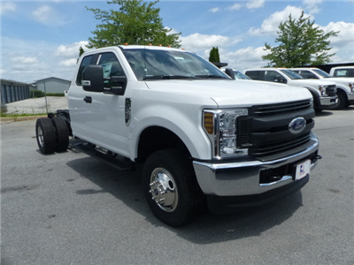 2018 F-350 Super Cab DRW 4x4,  Cab Chassis #Z188204 - photo 3