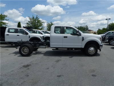 2018 F-350 Super Cab DRW 4x4,  Cab Chassis #Z188204 - photo 4