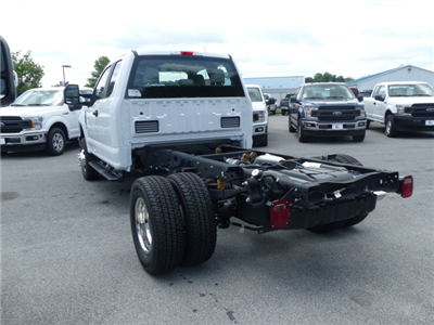 2018 F-350 Super Cab DRW 4x4,  Cab Chassis #Z188204 - photo 2