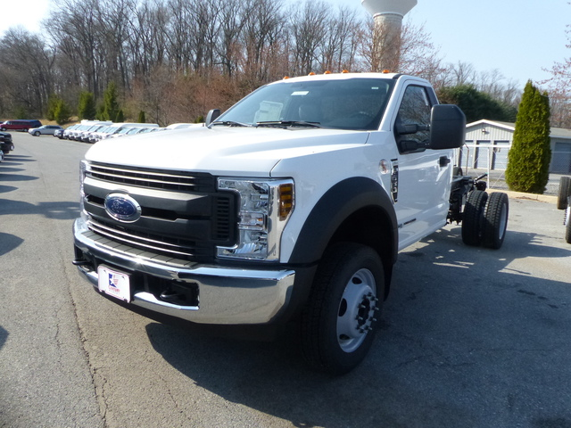 2018 F-550 Regular Cab DRW, Cab Chassis #Z188234 - photo 3