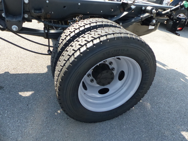 2018 F-550 Regular Cab DRW, Cab Chassis #Z188234 - photo 8
