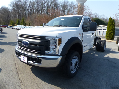 2018 F-550 Regular Cab DRW 4x2,  Cab Chassis #Z188234 - photo 3