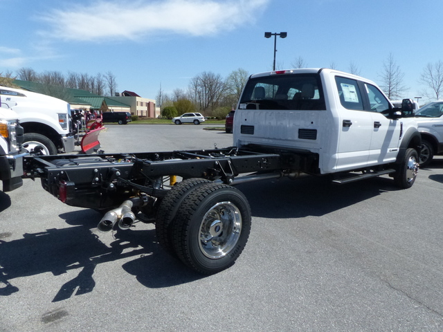 2018 F-450 Crew Cab DRW 4x4,  Cab Chassis #Z188246 - photo 2