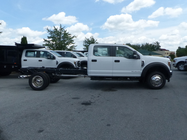 2018 F-450 Crew Cab DRW 4x4,  Cab Chassis #Z188323 - photo 4