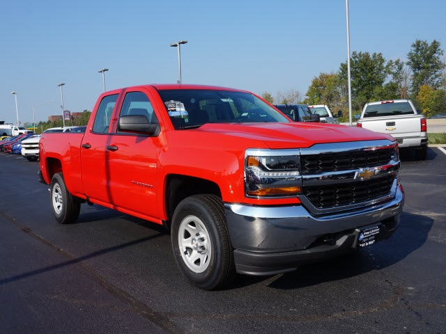 2017 Silverado 1500 Double Cab 4x4 Pickup #172928 - photo 4