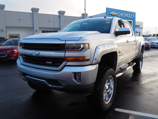 2018 Silverado 1500 Crew Cab 4x4, Pickup #180520 - photo 9