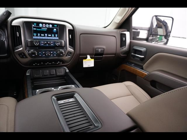 2018 Silverado 3500 Crew Cab 4x4, Pickup #181276 - photo 27