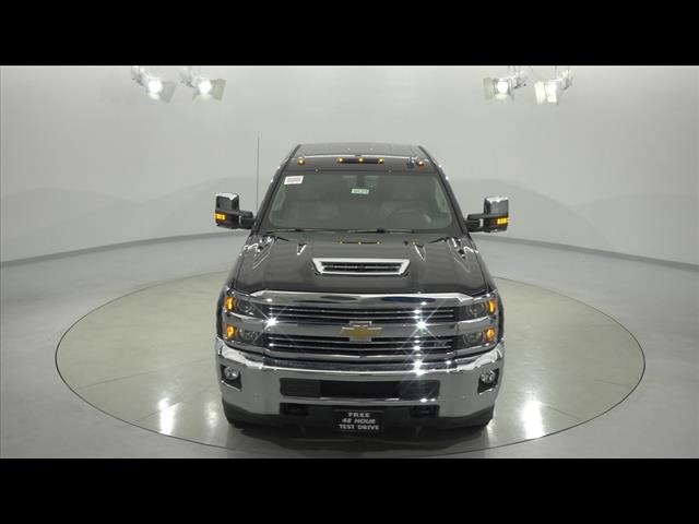 2018 Silverado 3500 Crew Cab 4x4, Pickup #181276 - photo 5
