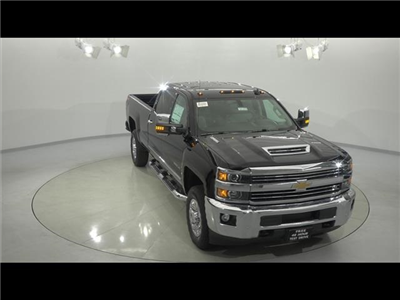 2018 Silverado 3500 Crew Cab 4x4, Pickup #181276 - photo 4