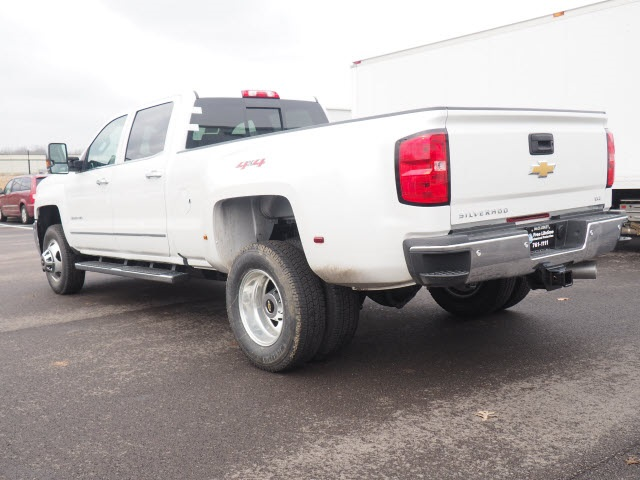 2018 Silverado 3500 Crew Cab 4x4, Pickup #181320 - photo 2