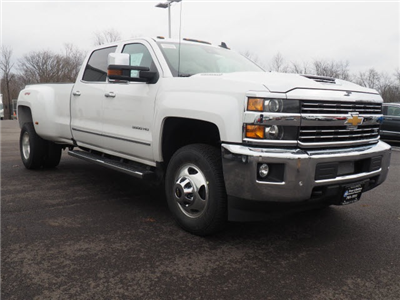2018 Silverado 3500 Crew Cab 4x4, Pickup #181320 - photo 3