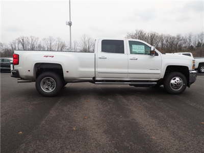 2018 Silverado 3500 Crew Cab 4x4, Pickup #181320 - photo 4