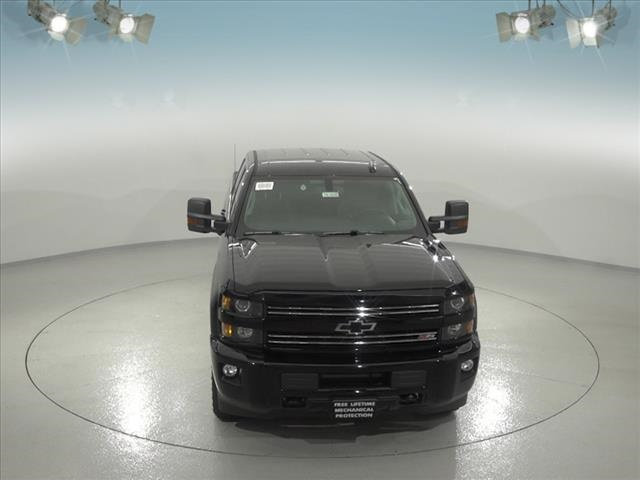2018 Silverado 2500 Crew Cab 4x4, Pickup #181658 - photo 4