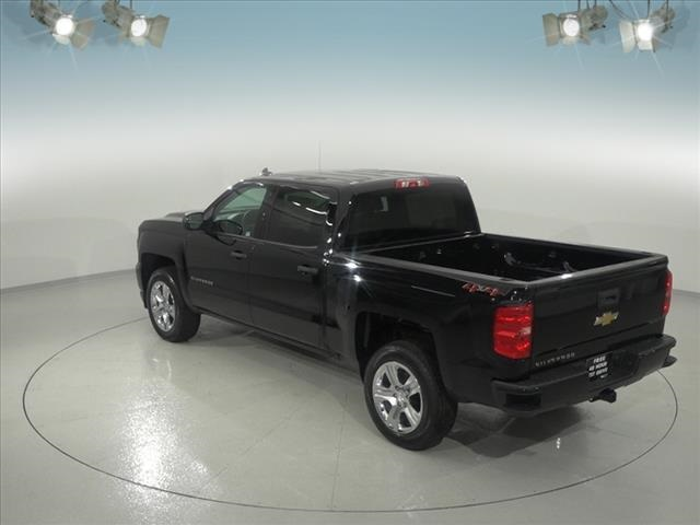 2018 Silverado 1500 Crew Cab 4x4, Pickup #181822 - photo 2
