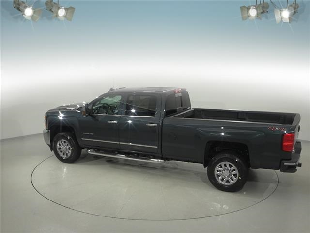 2018 Silverado 3500 Crew Cab 4x4, Pickup #181999 - photo 10