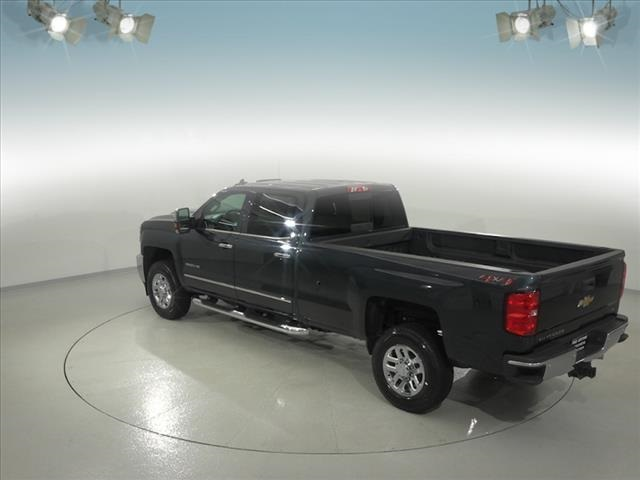 2018 Silverado 3500 Crew Cab 4x4, Pickup #181999 - photo 11