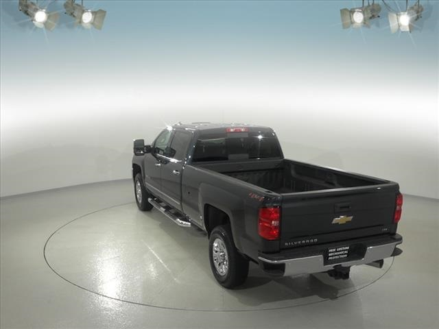 2018 Silverado 3500 Crew Cab 4x4, Pickup #181999 - photo 2