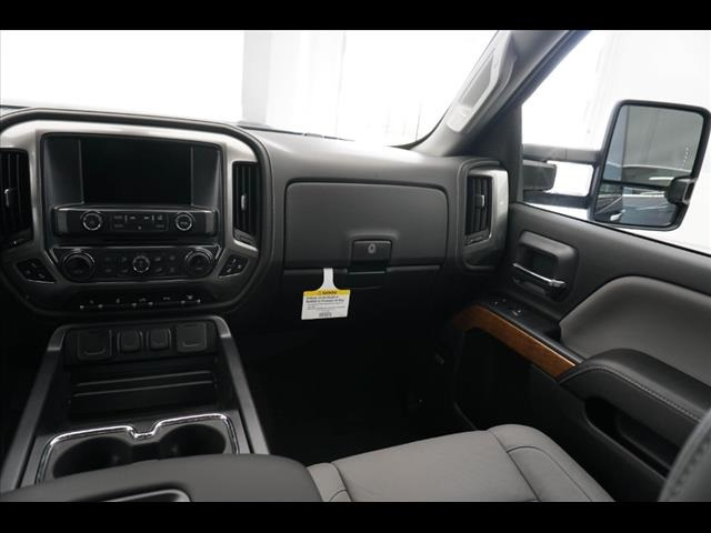 2018 Silverado 3500 Crew Cab 4x4, Pickup #181999 - photo 27