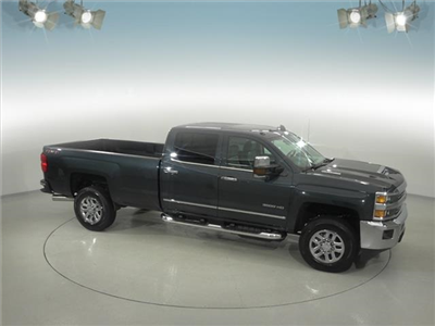 2018 Silverado 3500 Crew Cab 4x4, Pickup #181999 - photo 18