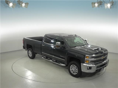 2018 Silverado 3500 Crew Cab 4x4, Pickup #181999 - photo 3