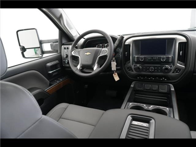 2018 Silverado 3500 Crew Cab 4x4, Pickup #181999 - photo 25