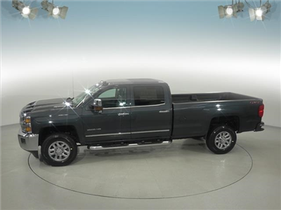 2018 Silverado 3500 Crew Cab 4x4, Pickup #181999 - photo 8