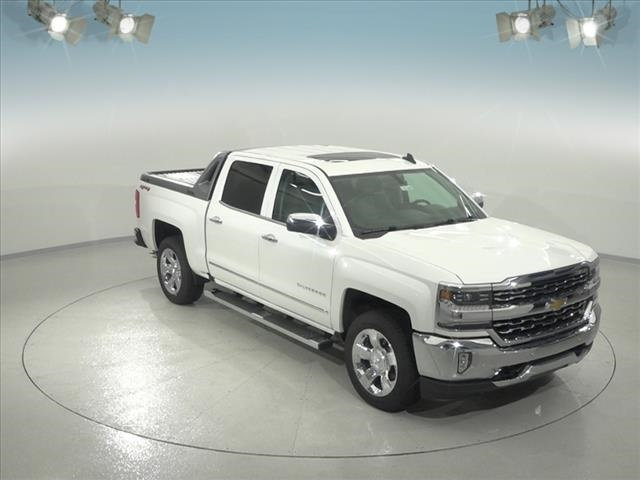 2018 Silverado 1500 Crew Cab 4x4,  Pickup #183360 - photo 3