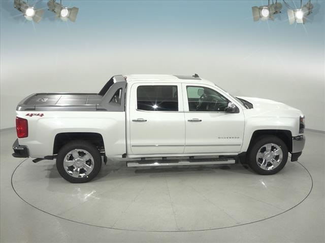 2018 Silverado 1500 Crew Cab 4x4,  Pickup #183360 - photo 16