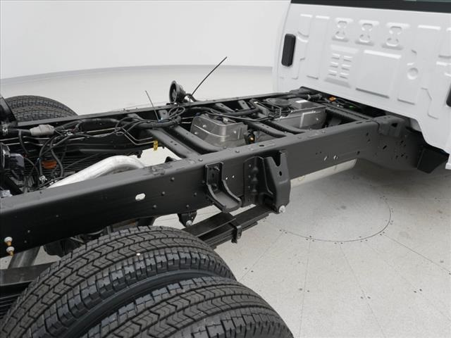 2019 Silverado 3500 Regular Cab DRW 4x4,  Cab Chassis #190621 - photo 36