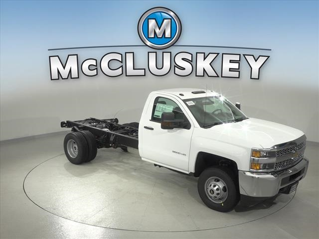 2019 Silverado 3500 Regular Cab DRW 4x2,  Cab Chassis #190745 - photo 18