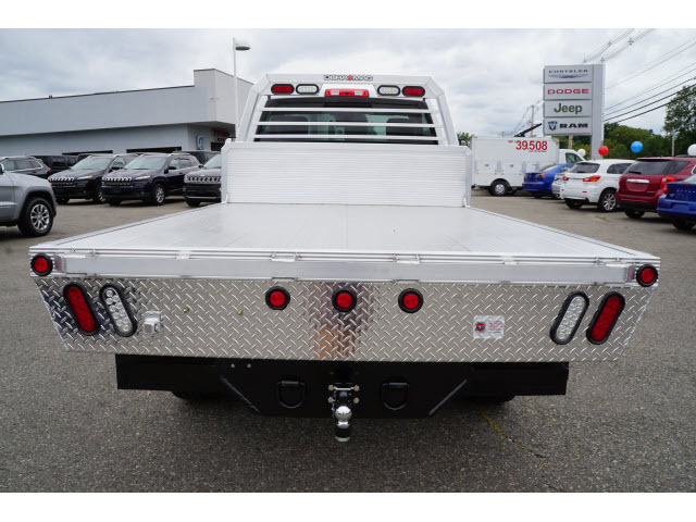 2017 Ram 3500 Regular Cab 4x4, Magnum Platform Body #R172140 - photo 4