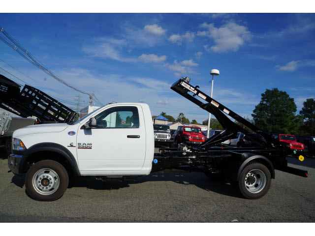 2017 Ram 5500 Regular Cab DRW 4x4, Other/Specialty #R172749 - photo 3