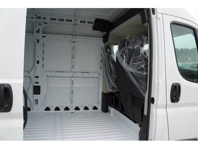 2018 ProMaster 2500 High Roof FWD,  Empty Cargo Van #R181595 - photo 4