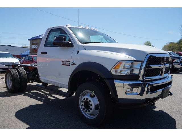 2018 Ram 4500 Regular Cab DRW 4x4,  Cab Chassis #R181764 - photo 3