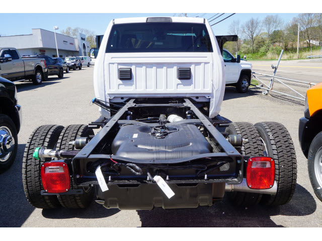 2018 Ram 4500 Regular Cab DRW 4x4,  Cab Chassis #R181764 - photo 2