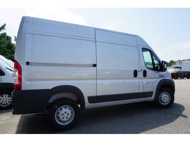 2018 ProMaster 2500 High Roof 4x2,  Empty Cargo Van #R182305 - photo 3