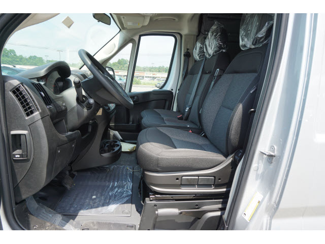 2018 ProMaster 2500 High Roof FWD,  Empty Cargo Van #R182305 - photo 6