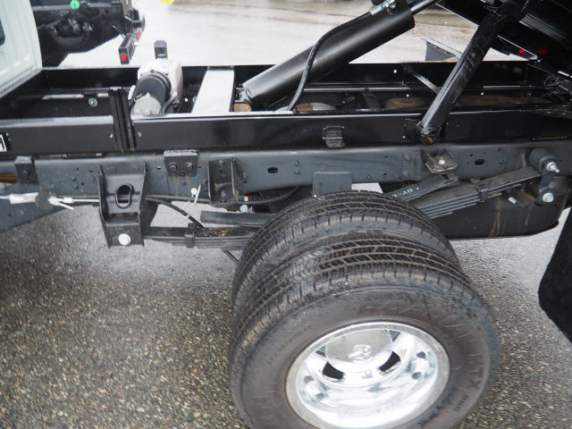 2018 Ram 3500 Regular Cab DRW 4x4,  Cab Chassis #R182537 - photo 4