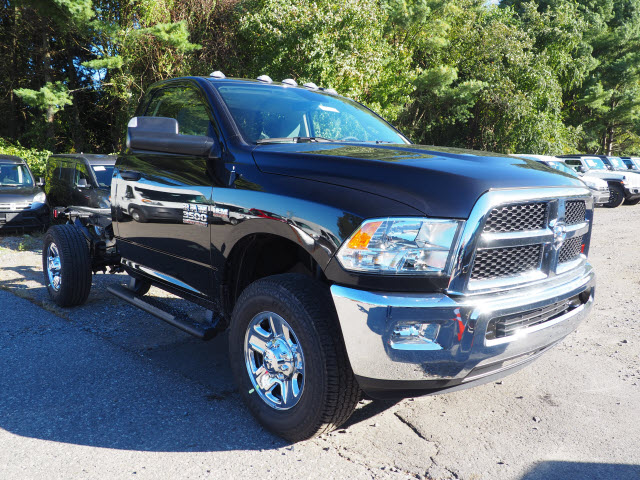 2018 Ram 3500 Regular Cab 4x4,  Cab Chassis #R183202 - photo 4