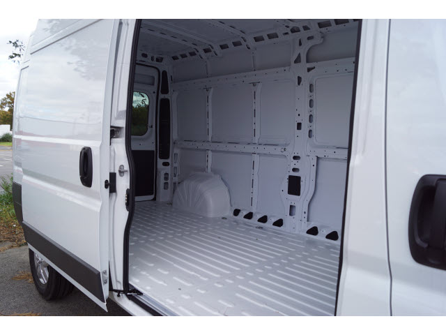 2018 ProMaster 2500 High Roof FWD,  Empty Cargo Van #R183225 - photo 4