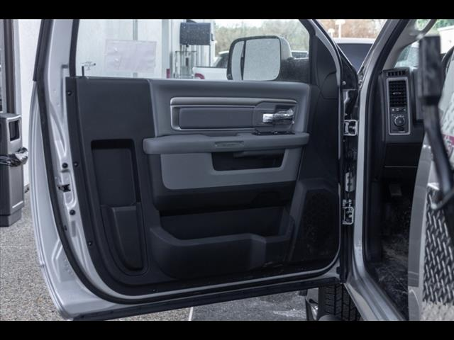 2018 Ram 3500 Regular Cab DRW 4x4,  Cab Chassis #R183239 - photo 9