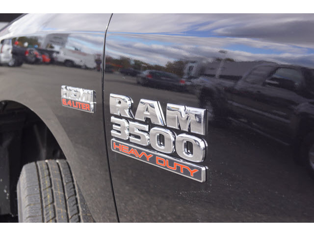 2018 Ram 3500 Regular Cab DRW 4x4,  Cab Chassis #R183252 - photo 4