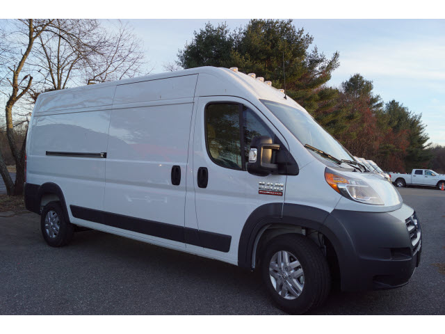2018 ProMaster 2500 High Roof FWD,  Empty Cargo Van #R183444 - photo 3