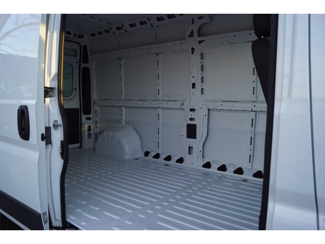 2018 ProMaster 2500 High Roof FWD,  Empty Cargo Van #R183444 - photo 4
