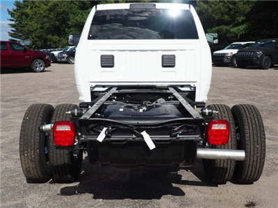2018 Ram 3500 Regular Cab DRW 4x4 Cab Chassis #R18361 - photo 2