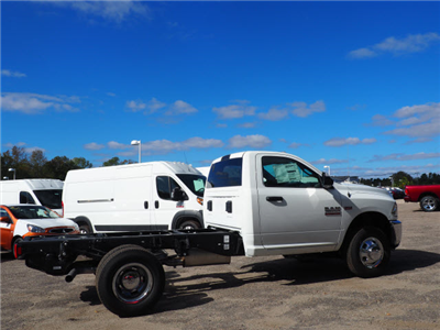 2018 Ram 3500 Regular Cab DRW 4x4 Cab Chassis #R18361 - photo 3