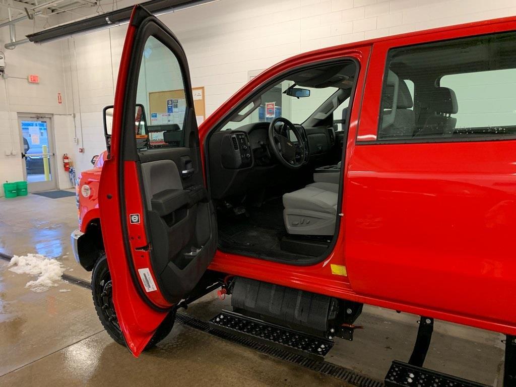2020 Chevrolet Silverado 5500 Crew Cab DRW 4x4, Knapheide Platform Body #80054 - photo 23