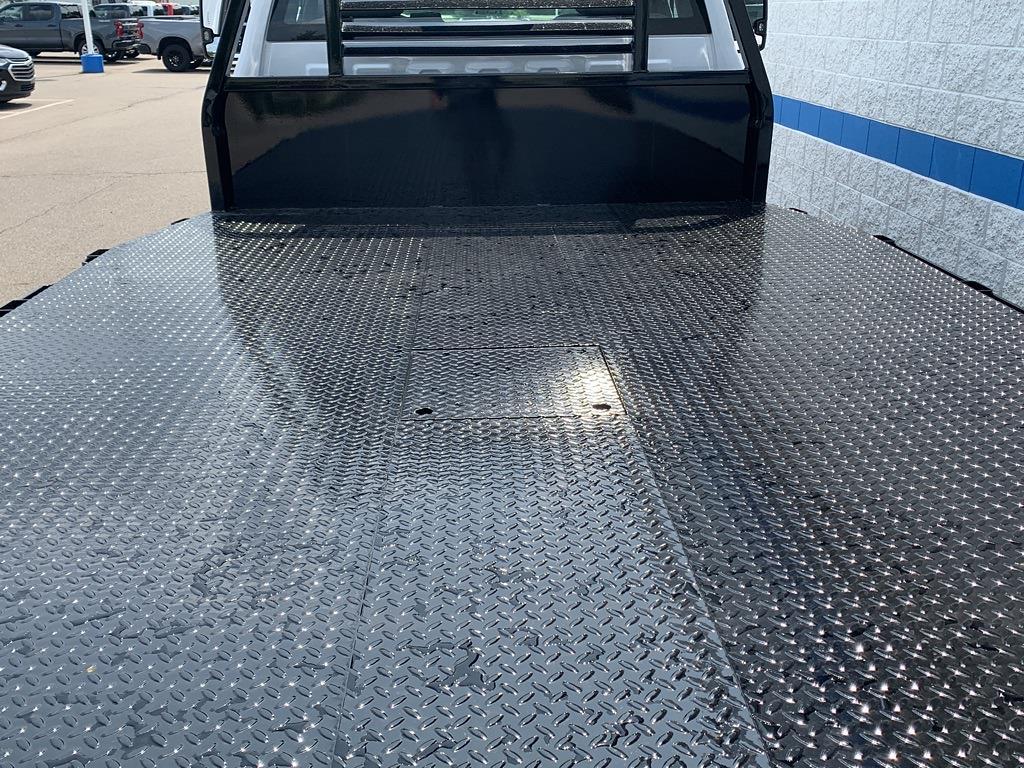 2021 Chevrolet Silverado 5500 Regular Cab DRW 4x4, Cab Chassis #81245 - photo 11