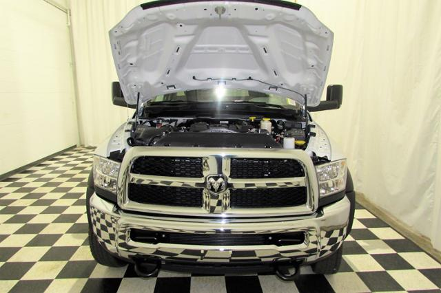 2017 Ram 5500 Regular Cab DRW 4x4 Cab Chassis #132NP - photo 19