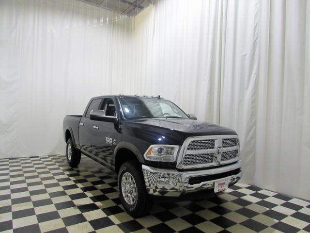 2017 Ram 3500 Crew Cab 4x4 Pickup #453NP - photo 3